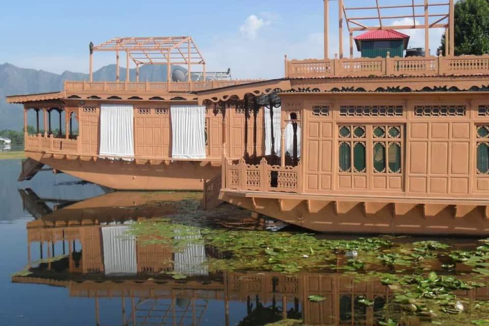 The Jewel in the Crown Houseboat, Nagin Lake West, The Jewel in the Crown Houseboat