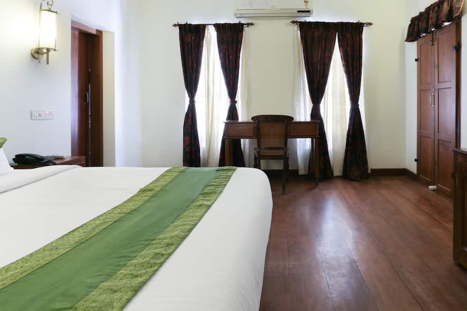 TRIVENY RIVER PALACE, Chambakulam, Treebo Triveny River Palace