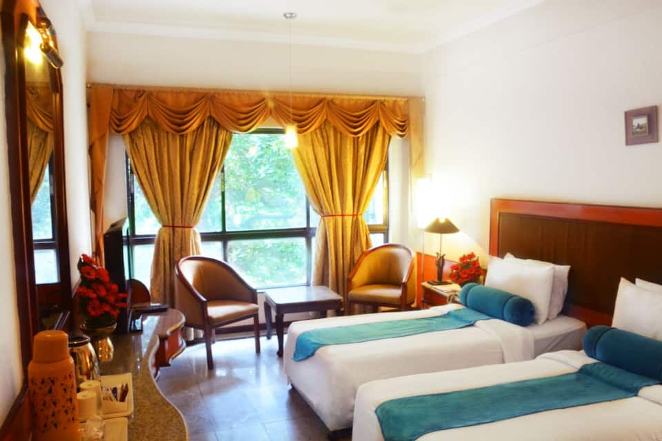 Ashraya International Hotel, Infantry Road, Ashraya International Hotel