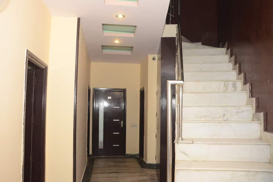 Gurjeet Guest House, Near Golden Temple, Gurjeet Hotel