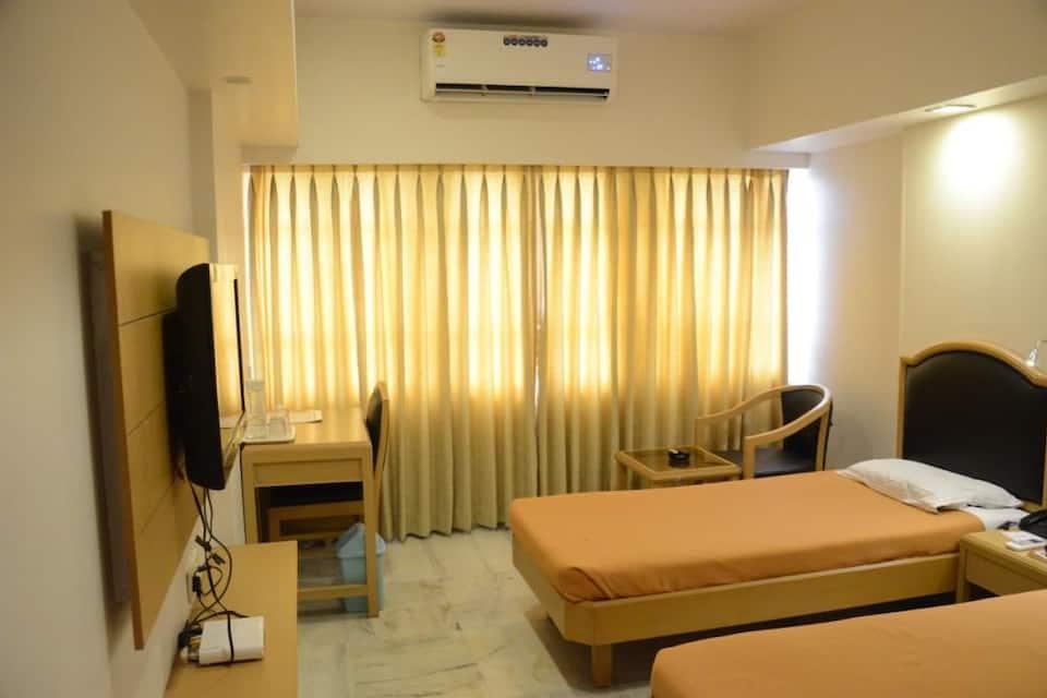 Hotel Yuvraj, Station Road, Hotel Yuvraj