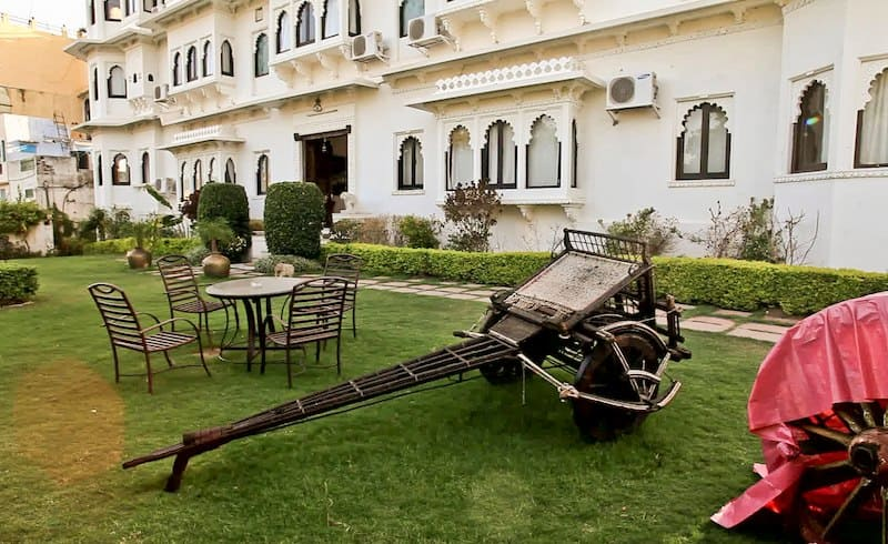 Hotel Karohi Haveli, Outside Chandpole, Hotel Karohi Haveli