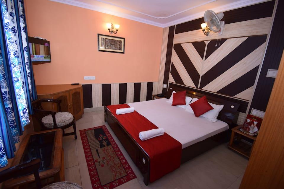 Basement Room - Room Only