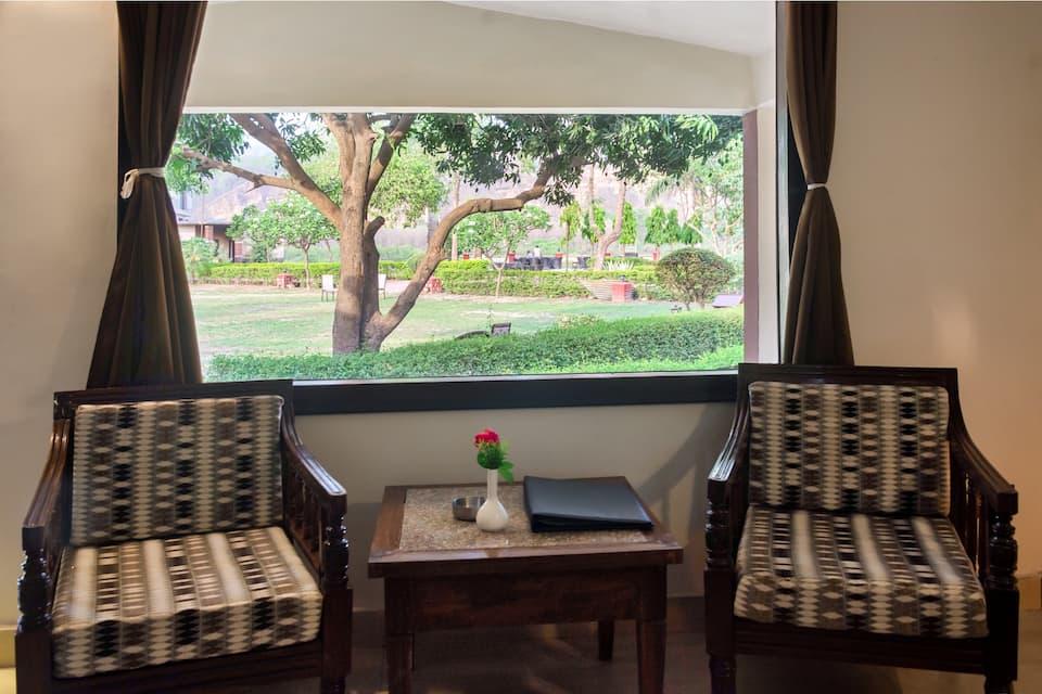 Luxury Room with Breakfast