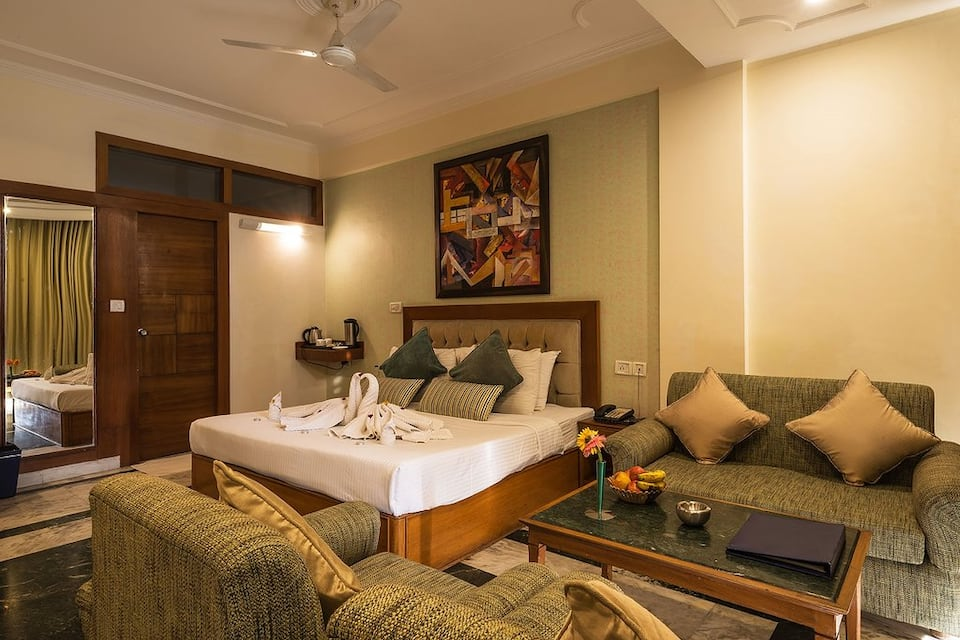 Deluxe Room Double with Breakfast  One Major Meal