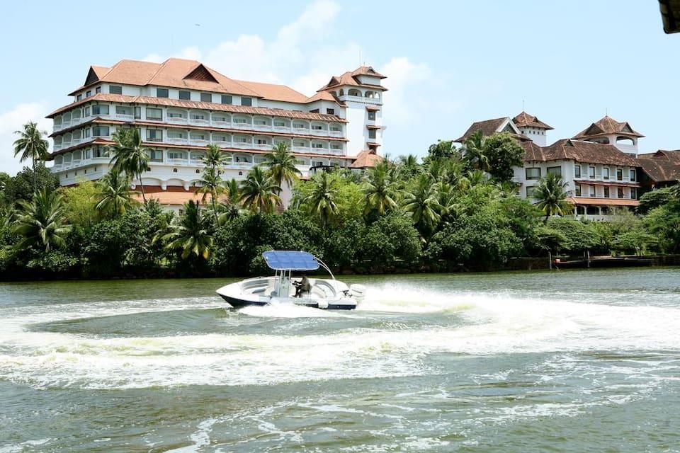 The Raviz Resort & Spa, Thevally, The Raviz Resort  Spa