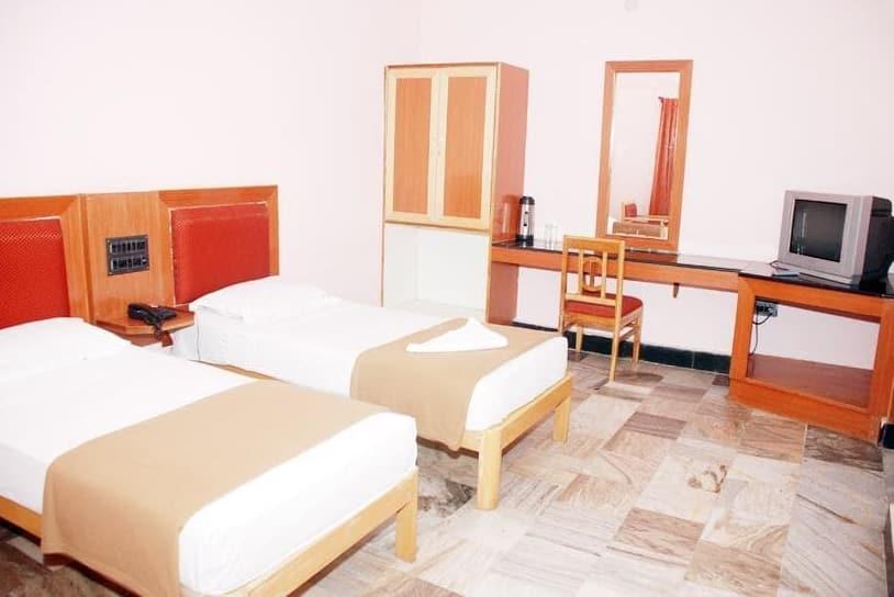 Hotel Bhimas, G Car Street, Hotel Bhimas