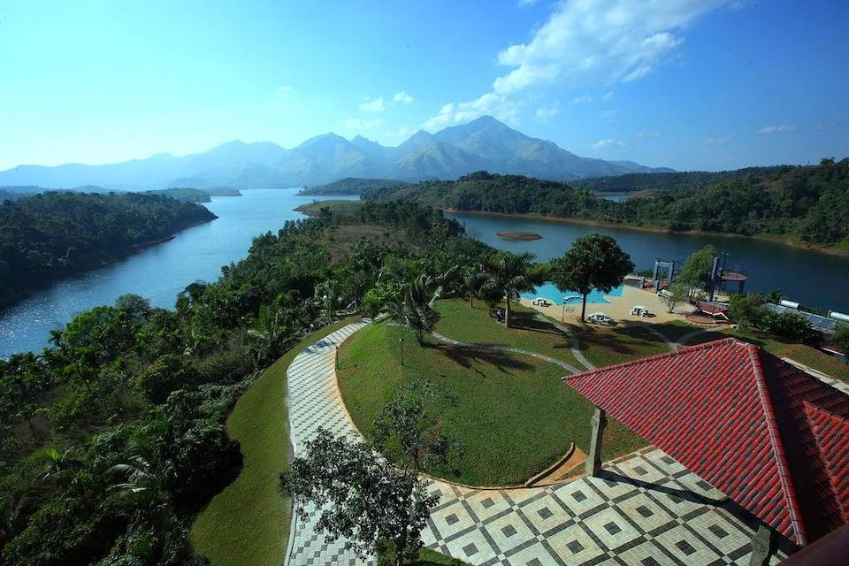 Sharoy Resort, Manjoora, Arayal Resort