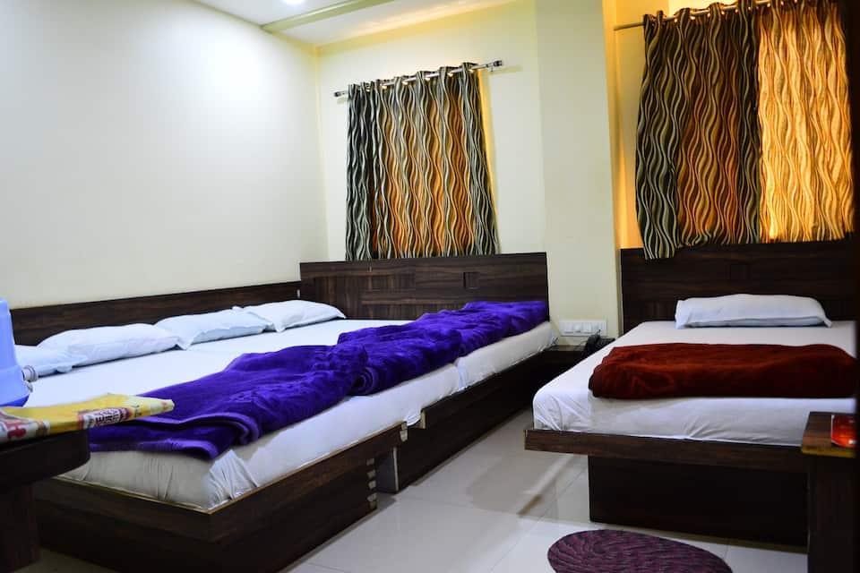 Hotel Keshar Laxmi, Near Mahakal Temple, Hotel Keshar Laxmi (Near Mahakal Temple)