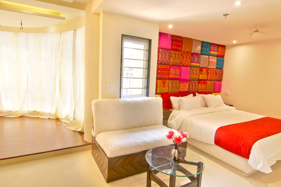 Deluxe Double AC Room Only (Renovated)