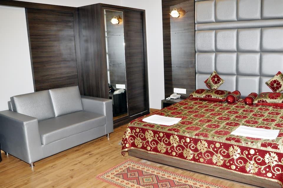 Alka Hotel, Meer Ghat, Alka Hotel