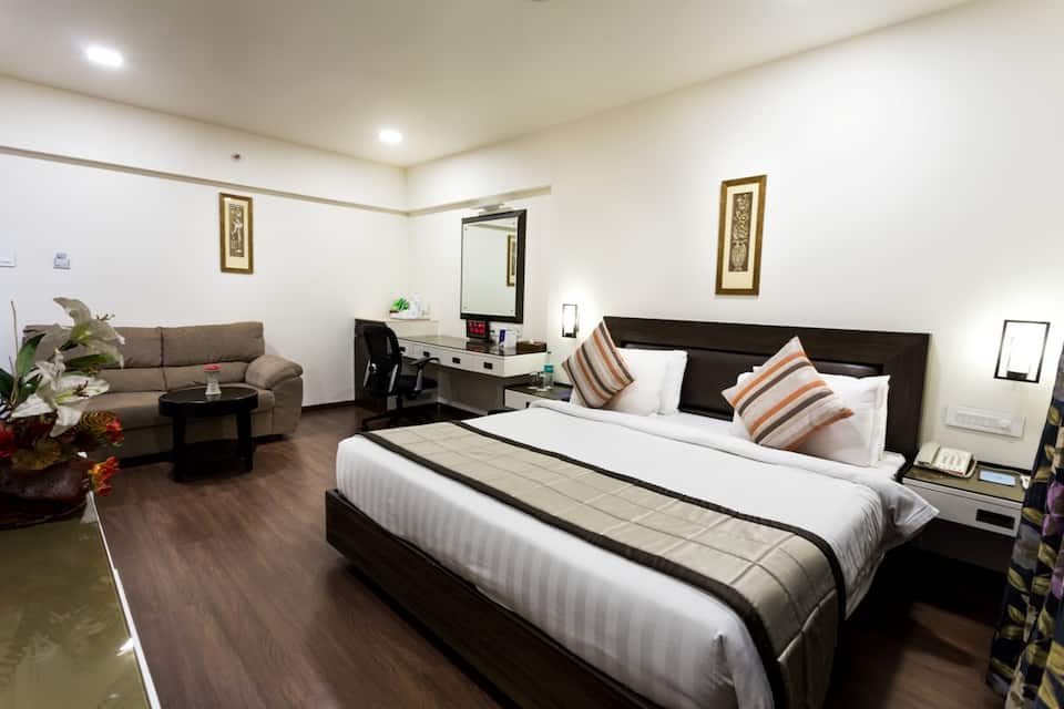 Club Double Room With Breakfast