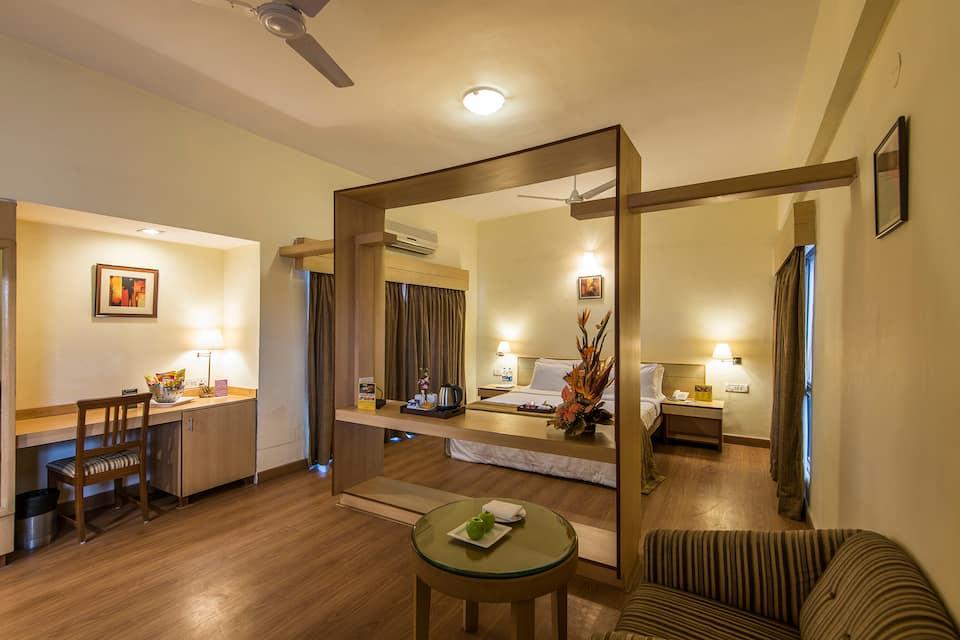 Phoenix Hotel, Koregaon Park, Phoenix Hotel