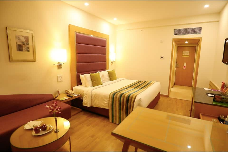 Club Single Room With Breakfast  Lunch or Dinner