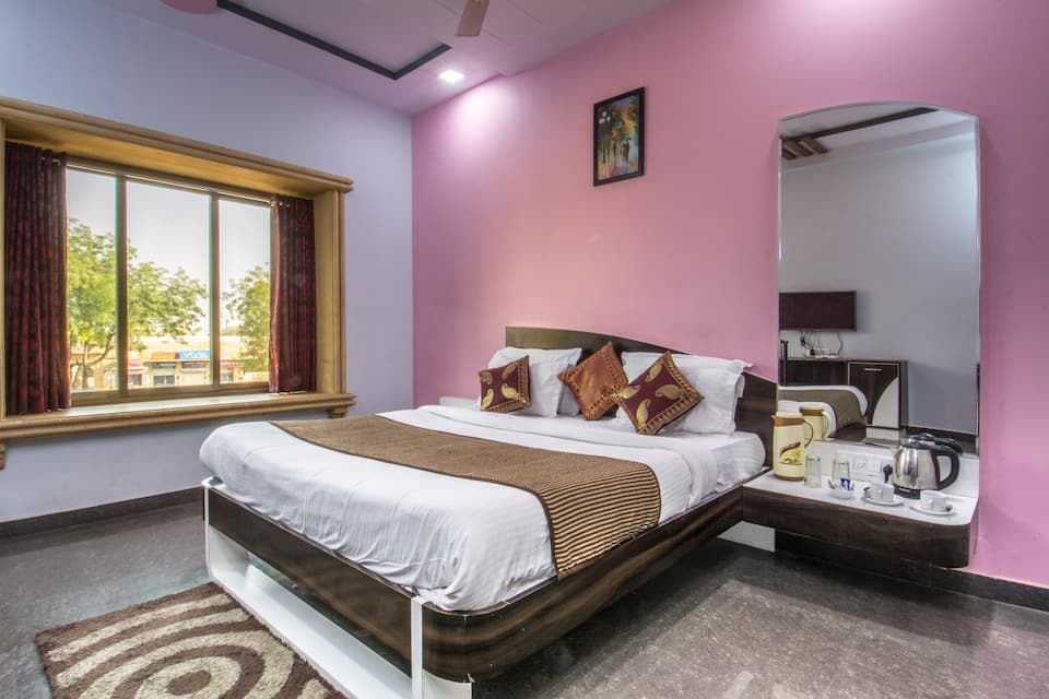 Hotel Hayyat, Fort Road, Hotel Hayyat