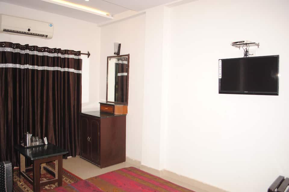 Semi Deluxe Room Double
