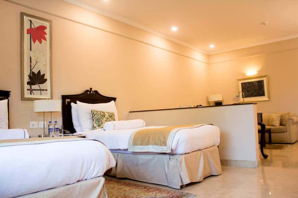 Claridges Suites Double With Breakfast  Airport Transfer