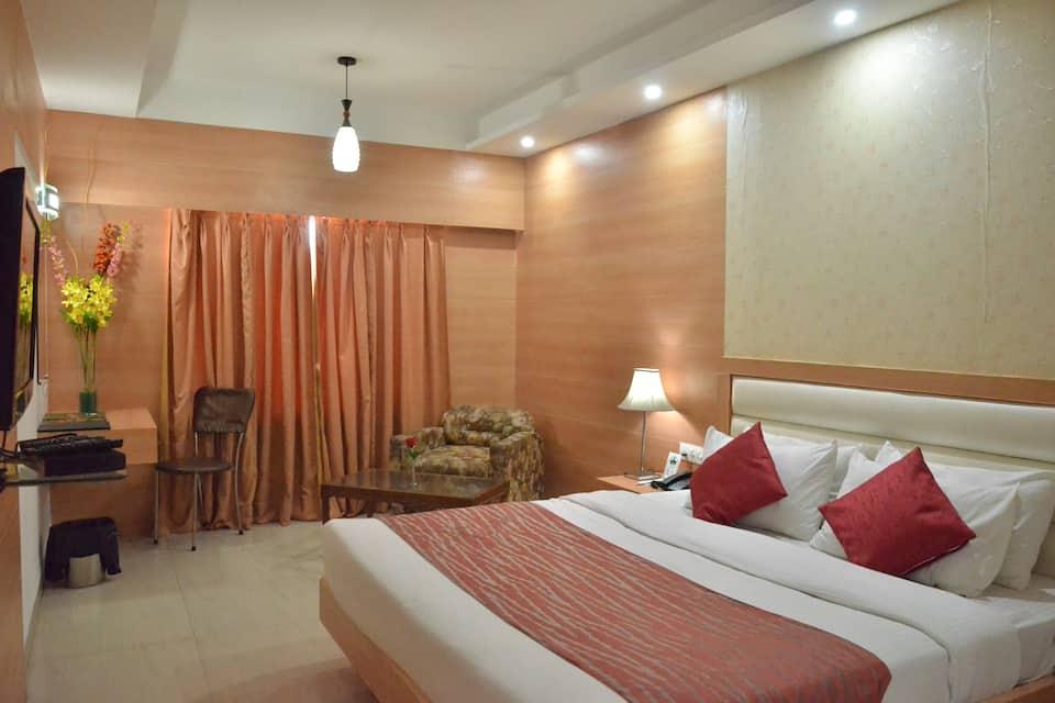 Hotel Landmark, Manik Vilas Colony, Hotel Landmark