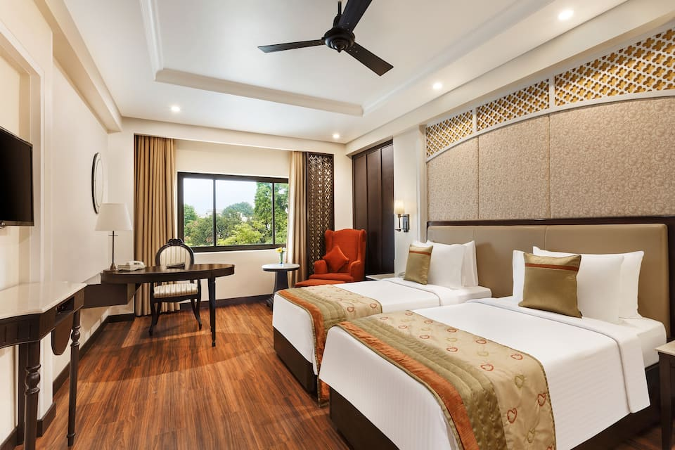 Superior Room Double with Queen Bed
