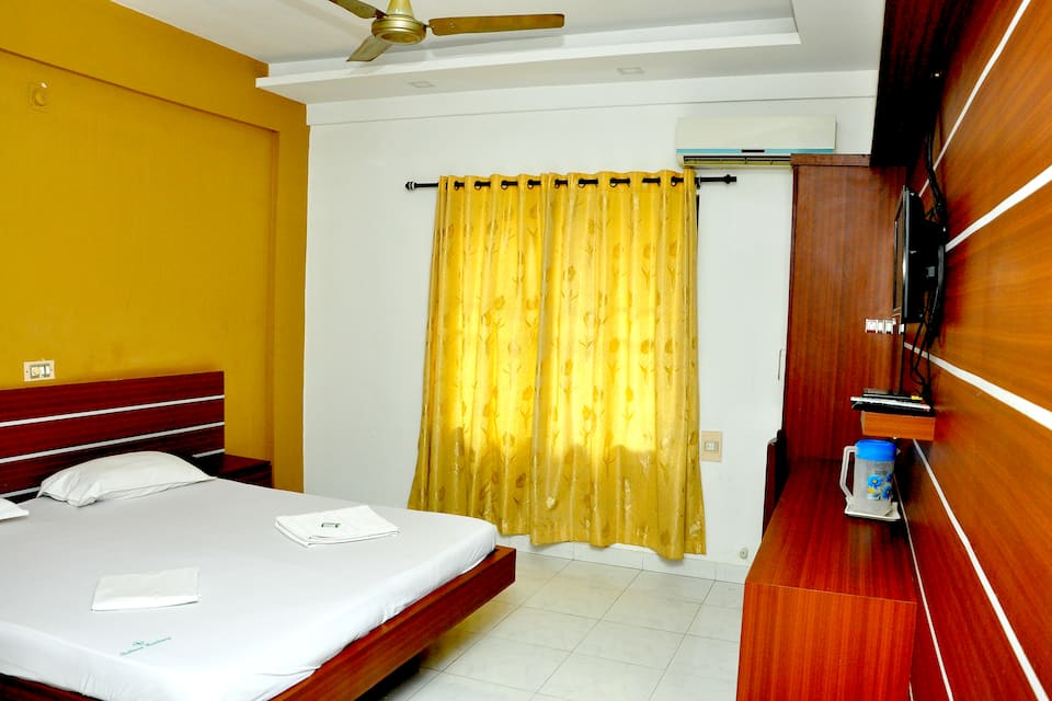 Shalimar Residency, Near Ernakulam junction Railwa, Shalimar Residency