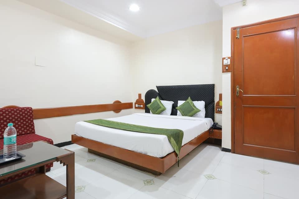 Treebo Trend Omni Palace, Ratlam Kothi, Treebo Trend Omni Palace
