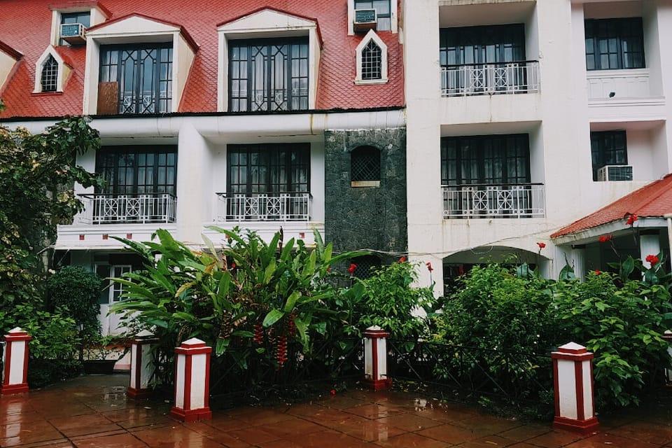 Hotel Rainbow Retreat, Mumbai Pune Road, Hotel Rainbow Retreat