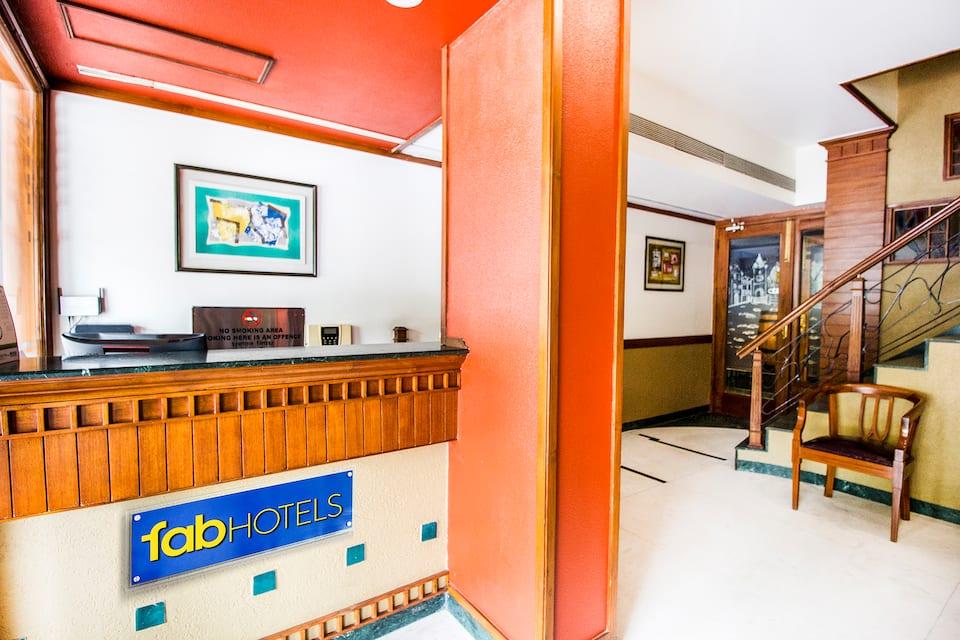 Hotel Sheronz, Sector 35 C, FabHotel Sheronz Piccadily Chowk