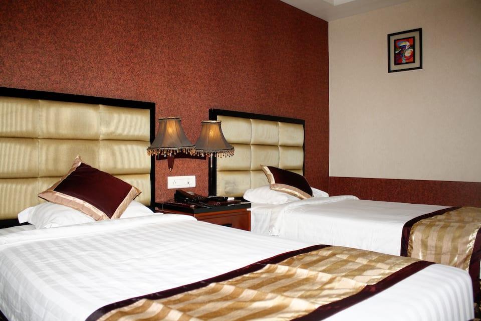 Hotel Gateway Grandeur, G.S.ROAD, Hotel Gateway Grandeur