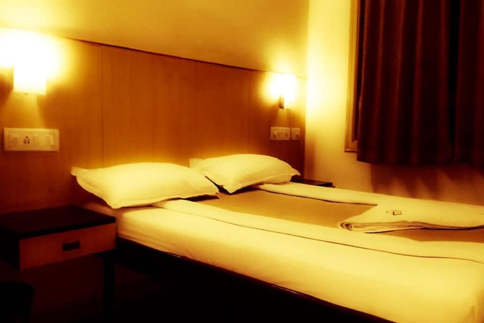 SLN Comforts, Cottonpet Main Road, SLN Comforts