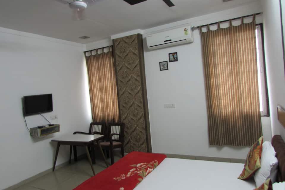 The Shine Guest House, Bhopalpura, The Shine Guest House