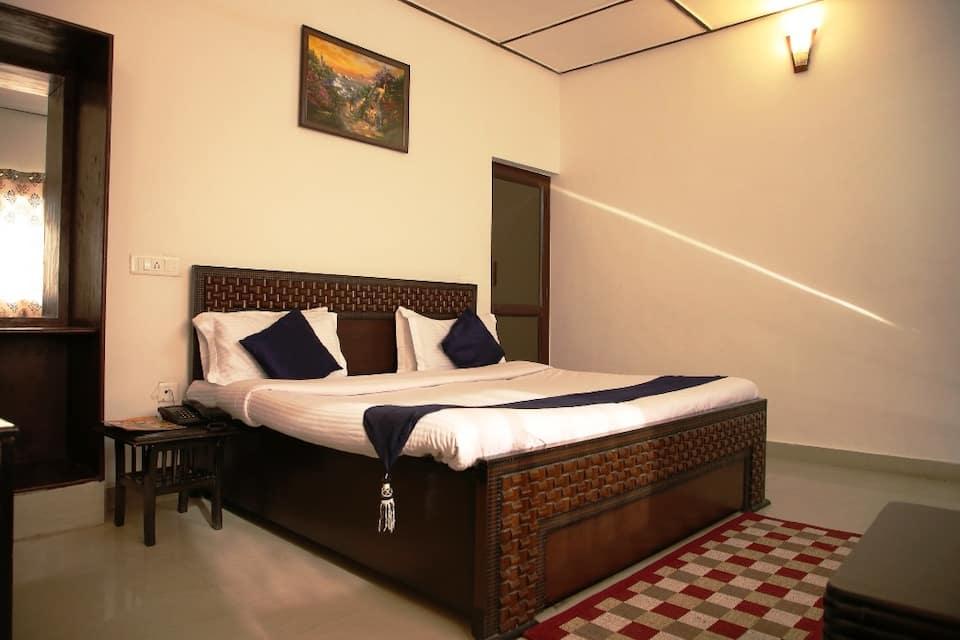 Dewdrop Classic Fall Resort, Village Bhatta, Dewdrop Classic Fall Resort