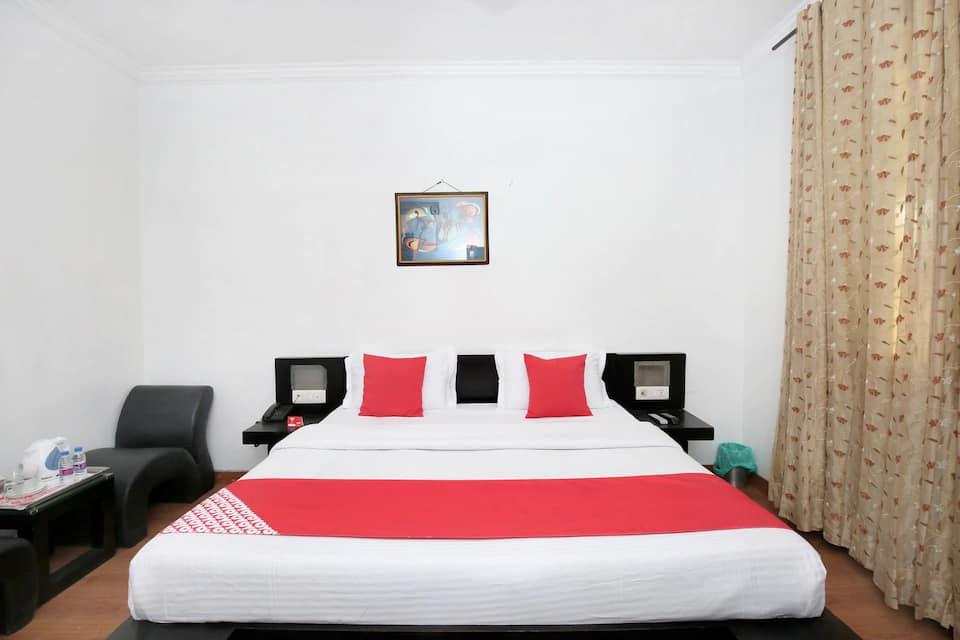 Hotel Punnu International, Court Road, Hotel Punnu International