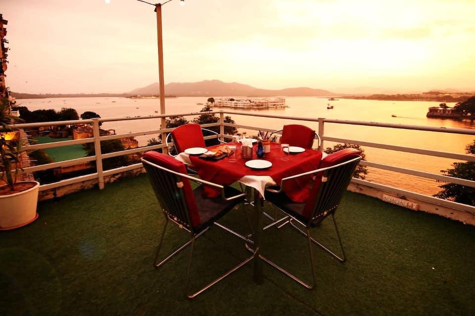 The Shaharkot Hotel, none, The Shaharkot-By The Lake