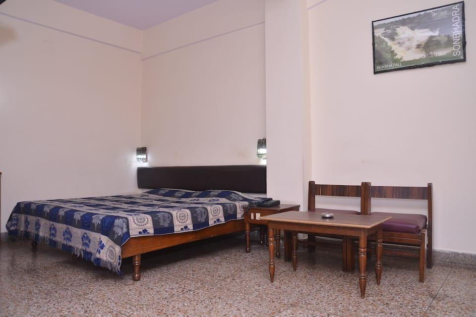 Gautam Hotel, Lahurabir, Gautam Hotel