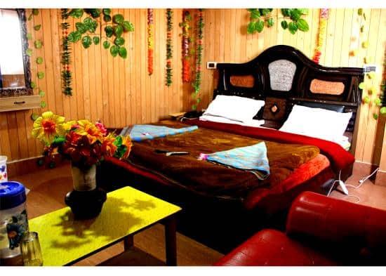 Hotel Burj, Lal Chowk, Hotel Burj