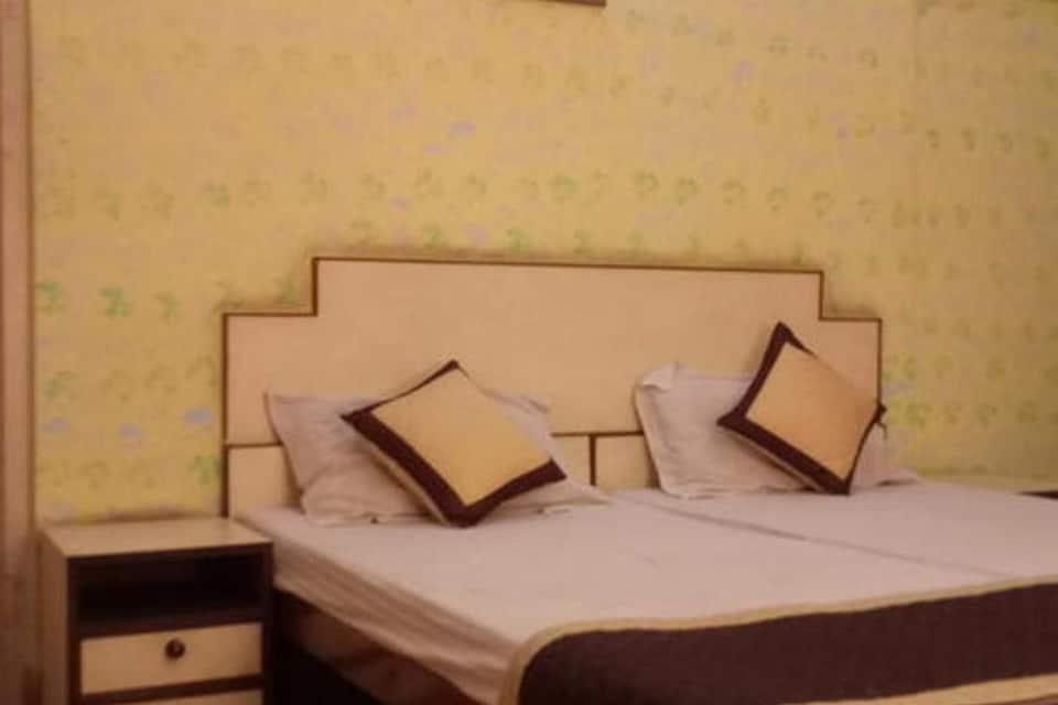 Rajdhani Hotel, M I Road, Rajdhani Hotel