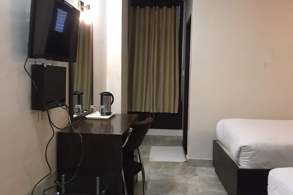 Hotel Park Plaza, Cantonment, Hotel Park Plaza