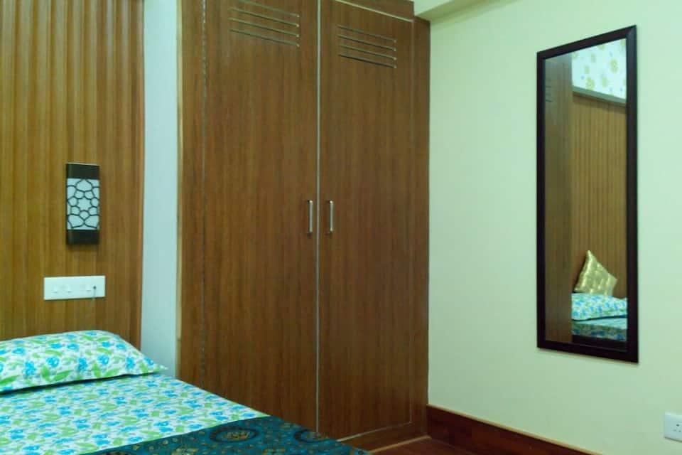 Hotel Pathik, none, Hotel Pathik