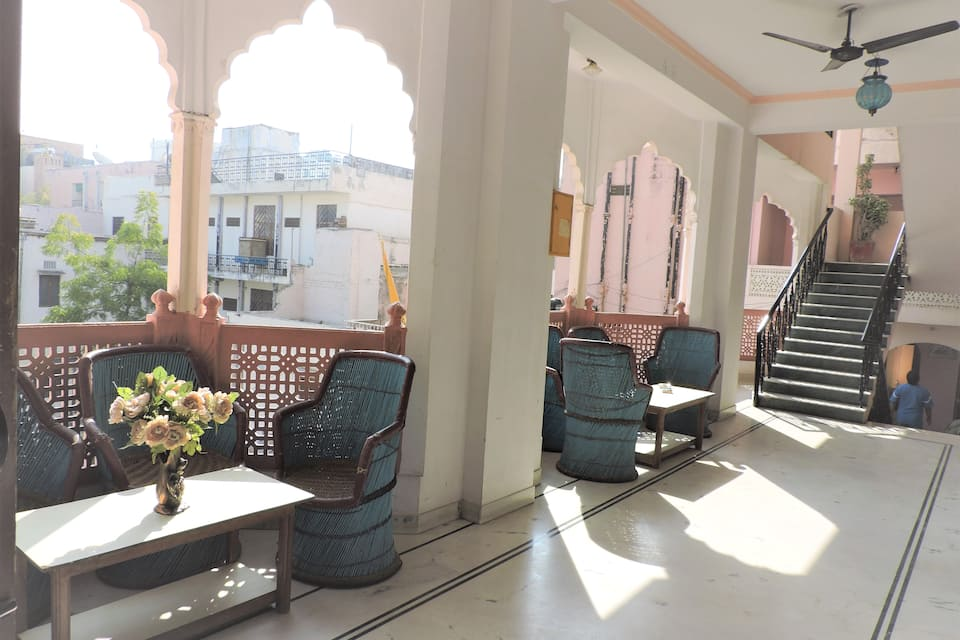 Karni Niwas Guest House, M I Road, Karni Niwas Guest House