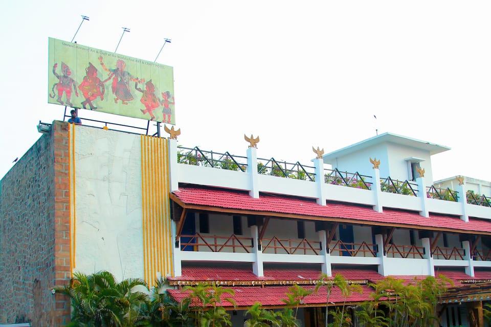 Palm Beach Hotel & Resort, Beach Road, Palm Beach Hotel  Resort