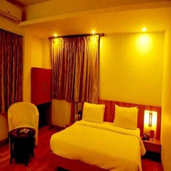 Hotel Sai Sahavas, Near Temple, Hotel Sai Sahavas