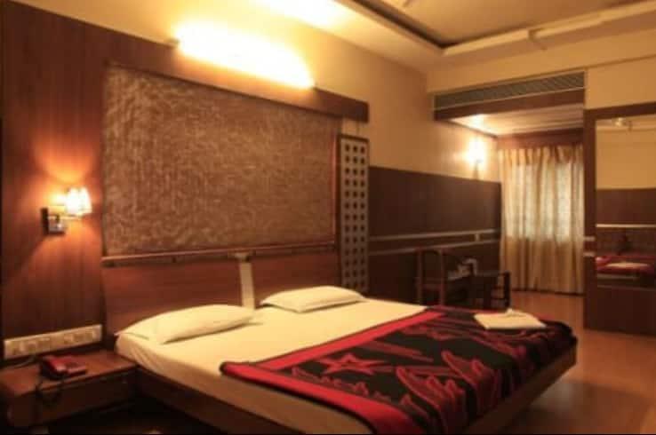 Hotel Samrat, M.G. Road, Hotel Samrat