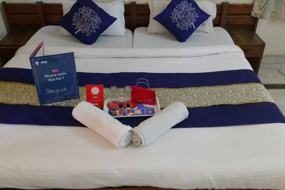 A/C Semi Deluxe Double Room Only