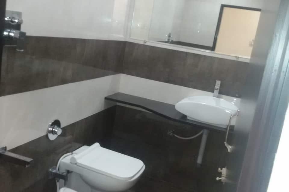 Hotel Trimurti, Teen Batti, Hotel Trimurti