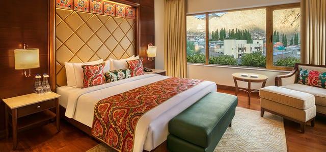 Luxury Suite Room with Breakfast