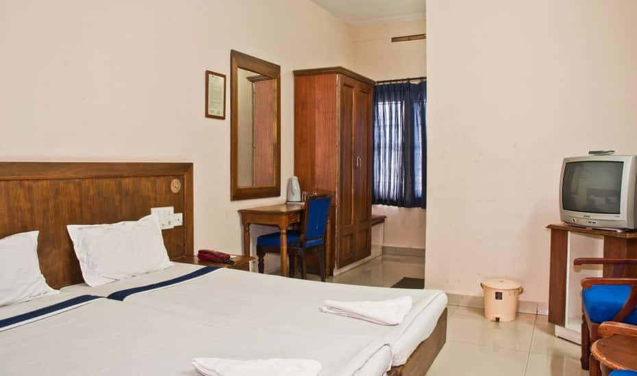 Issacs Hotel Regency, Sulthan Bathery, Issacs Hotel Regency