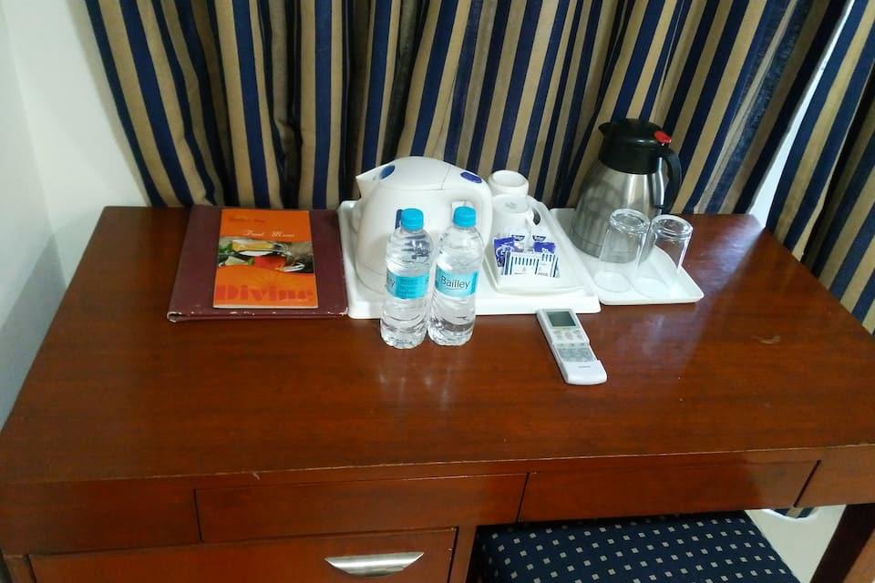 Hotel Divine Inn, New Friends Colony, Hotel Divine Inn