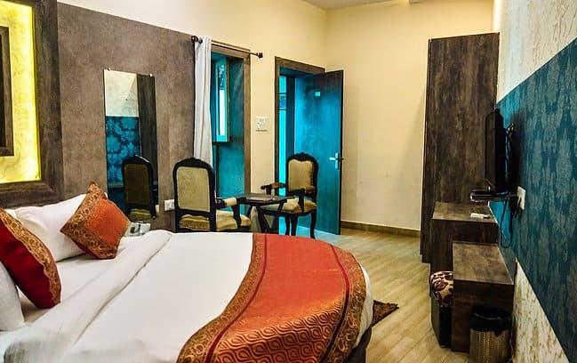 Dwivedi Hotels (Sri Omkar Palace), Dasaswamedh Ghat, Dwivedi Hotels (Sri Omkar Palace)