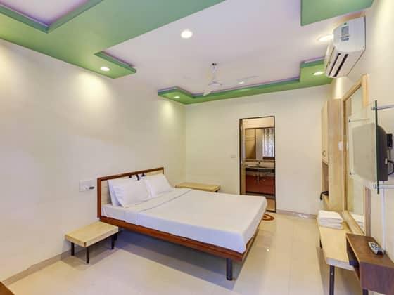 Shreyas Hotel, Main Market, Shreyas Hotel