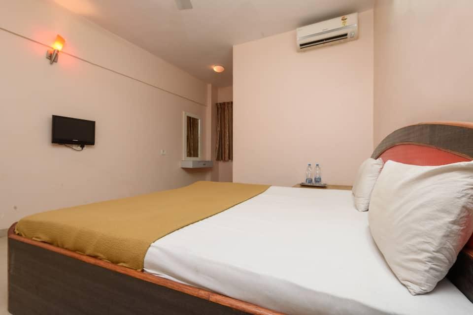 Hotel Sai Shraddha Shirdi, Nagar Manmad Road, Hotel Sai Shraddha Shirdi